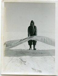 """Propagandakompanie Foto """"Auf einem Feldflughafen im Osten"""""""