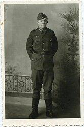 Portraitfoto eines Matrosen der Kriegsmarine-Küstenartillerie