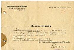 Luftwaffe - Bescheinigung über die Verleihung des Ritterkreuzes des Eisernen Kreuzes für den in englischer Kriegsgefangschaft befindlichen Leutnant Hermann Neuhoff