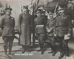 """1.Weltkrieg Pressefoto """"Die spanische Militärkommission unter Führung des Oberst Marquis de Zayas auf der Durchreise zur Ostfront zu Berlin"""""""