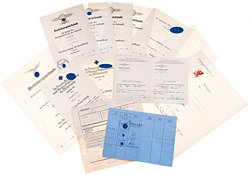 Luftwaffe - Dokumentengruppe für den Inhaber des Ehrenpokals für besondere Leistung im Luftkrieg Obergefreiter Erich Erbe als Kampfflieger