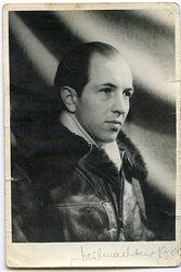 Portraitfoto eines Flieger der Luftwaffe