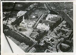 Pressefoto, Vogelsicht der Stadt Cardiff