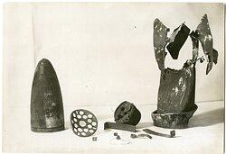 Pressefoto, Explodierte Granate mit Überresten