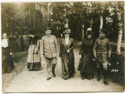 Pressefoto, Paul von Hindenburg beim Spaziergang