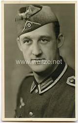 Portraitfoto eines Offizier der Wehrmacht mit Schiffchen