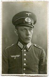 Portraitfoto eines Angehörigen des Infanterie-Regiment 1