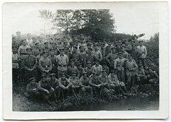 Gruppenfoto von Angehörigen des FAD und einem Mitglied des RAD