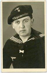 Portraitfoto eines Angehörigen der Kriegsmarine
