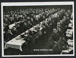 Pressefoto, Parteiversammlung der NSDAP