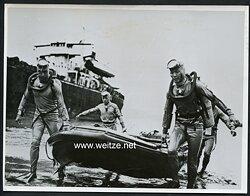 Pressefoto, Nationalchinesische Kampftaucher (Froschmänner)