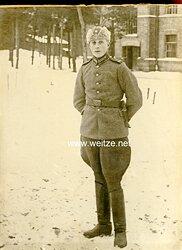 2. Weltkrieg Finnland Foto eines Unteroffiziers der Finnischen Armee mit Dolch