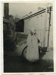 Foto, Angehöriger der Wehrmacht im Wintermantel