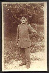 1. Weltkrieg Portraitfoto eines Soldaten im Flieger-Btl. Nr. 1, Kampffliegerstaffel, 2. Geschwader