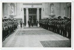 Foto, Antritt von Angehörigen der Wehrmacht