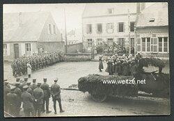 1.Weltkrieg Foto, Antritt der Soldaten zu Ehren eines Gefallenen Soldaten