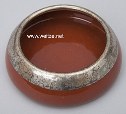 Kaiserliche Majolika Werkstatt Cadinen - Aschenbecher mit Silbermontierung