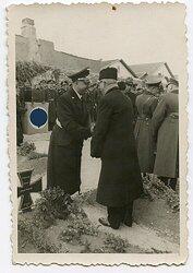 Foto, Deutscher Diplomat auf einer Veranstaltung