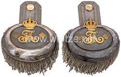 Sachsen Paar Epauletten für einen Oberst z.D. im 5. Infanterie-Regiment Kronprinz Nr. 104