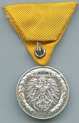 Verdienstmedaille 40 Jahre für Tätigkeit im Feuerwehr/Rettungswesens