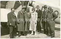 20. Jahre, ziviler Feldflugplatz mit Junkers - Maschinen und Passagieren