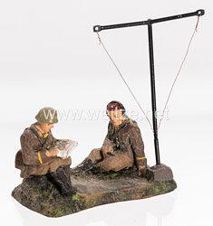 Elastolin - Heer 2 Soldaten sitzend mit Peilantenne
