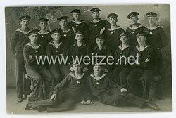 Kaiserliche Marine Foto Exerzierunteroffizier mit seiner Gruppe