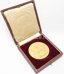 Reichsverband für Zucht und Prüfung Deutschen Warmbluts - 1905 - 1930 große goldene Plakette für 25 Jahre .