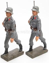 Lineol - Luftwaffe 2 Flak-Soldaten mit Stahlhelm marschierend
