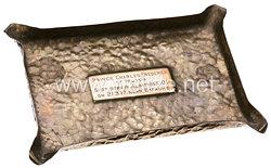 England Erster Weltkrieg Aschenbecher gefertigt aus Teilen der von den Briten abgeschossenen Maschine des Prinzen Friedrich Karl von Preußen (1893–1917)
