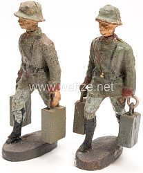 Elastolin - Heer 2 Munitionsschützen mit 2 Munitionskisten tragend