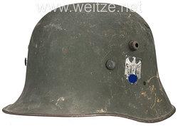 Wehrmacht Heer Stahlhelm M17 mit 1 Emblem