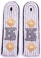 Luftwaffe Paar Schulterstücke für einen Hauptmann des RLM, kommandiert zur Kriegsschule