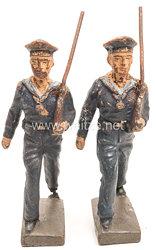 Lineol - Kriegsmarine 2 Matrosen in blauer Uniform marschierend