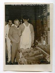 III. Reich Pressefoto. 33891 Dr. Ley mit Griechischen Arbeitern 6.5.1938