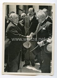 """III. Reich Pressefoto. Dr. Ley eröffnete die Wanderausstellung """"Freude und Arbeit""""in Athen. 4.5.1938"""