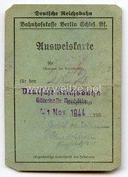 III. Reich - Deutsche Reichsbahn - Ausweiskarte für eine Frau