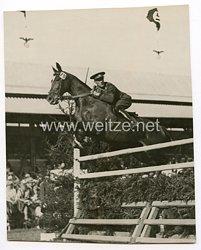 III.Reich Pressefoto, Rumänischer Sieger bei einem Reitturnier in Aachen 1936