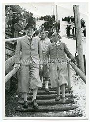 III.Reich Pressefoto, Olympia-Kenrmannschaft sprang auf der kleinen Olympiaschanze in Garmisch_Partenkirchen