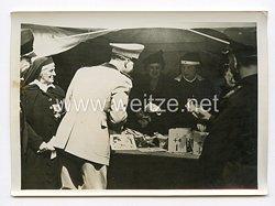 III. Reich Pressefoto. Italiens Kronprinzessin sammelte und der Kronprinz spendete. 26.3.1940.