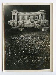 III. Reich Pressefoto. Die Botschaft vom Palazzo Venezia. 8.5.1938.
