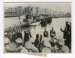 III. Reich Pressefoto. Der Führer im Golf von Neapel. 5.5.1938.