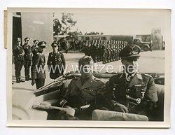 III. Reich Pressefoto. Der König von Italien bei den Verbänden der deutschen Luftwaffen verbänden auf Sizilien. 15.1.1943.