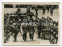 III. Reich Pressefoto. Der Führer besichtigte die Augustus - Ausstellung. 6.5.1938.