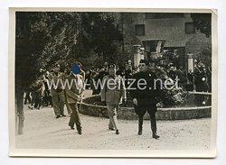 III. Reich Pressefoto. Der Führer im Museo Delle Therme. 8.5.1938.