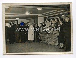 III. Reich Pressefoto. Der Führer auf dem Kdf-Flaggschiff
