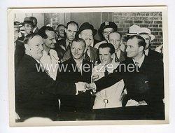 III. Reich Pressefoto. Die Begrüßung der deutschen Ozeanflieger in New York. 14.8.1938.
