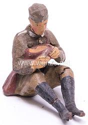 Elastolin - Heer Lagerleben - Soldat mit Schiffchen sitzend essend
