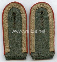 Wehrmacht Heer Paar Schulterklappen für einen Unteroffizier der Artillerie bzw. Sturmgeschütz