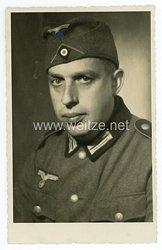 Wehrmacht Heer Portraitfoto mit Schiffchen